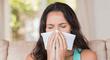 Estornudar sería un síntoma de COVID-19 en personas que recibieron la vacuna según estudio
