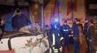 Cercado de Lima: conductor de cúster quedó atrapado tras estrellarse con un camión [VIDEO]