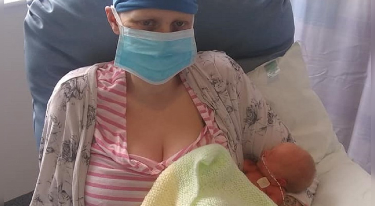 reino-unido-mujer-rechaza-quimioterapia-para-poder-dar-a-luz-a-su-tercer-hijo-y-le-estiman-dos-anos-de-vida