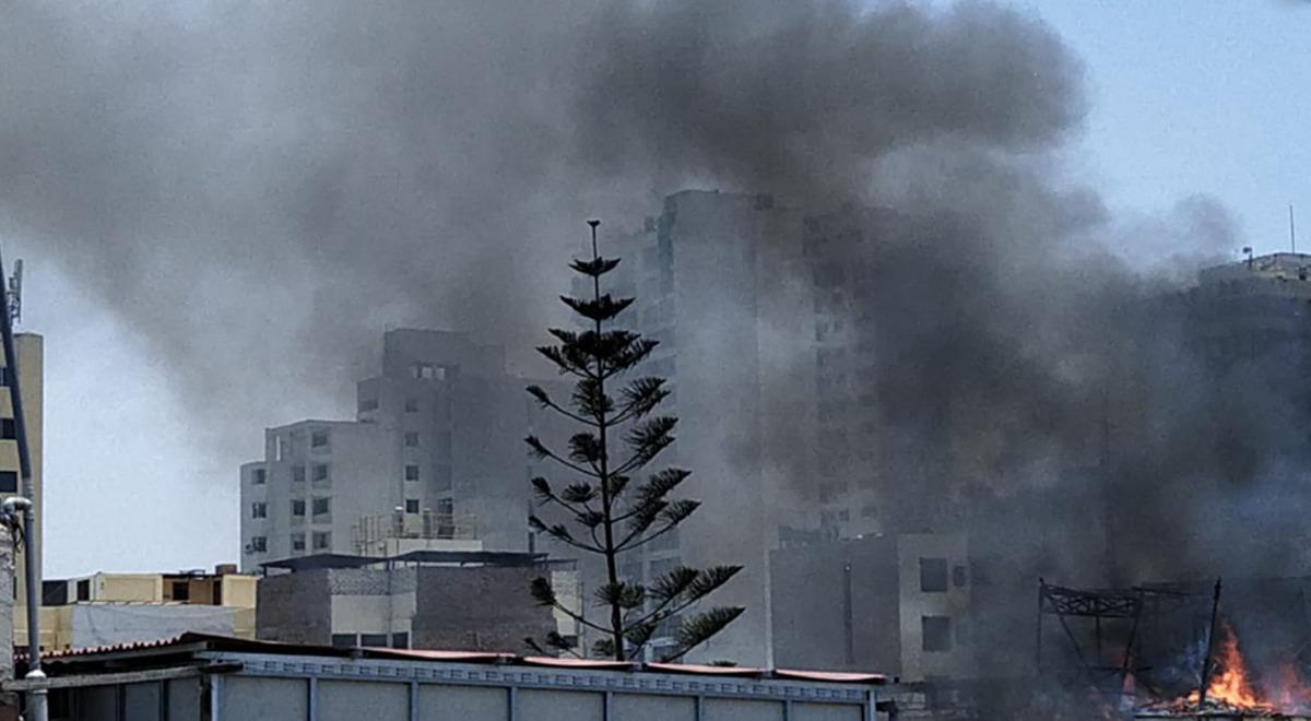 usuarios-de-twitter-reportan-incendio-de-grandes-proporciones-en-lince-fotos