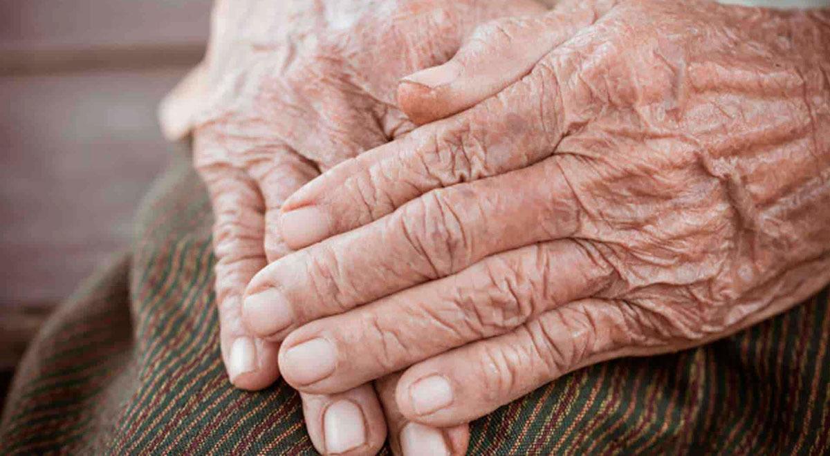 italia-anciana-pierde-tres-dedos-tras-desarrollar-gangrena-por-covid-19