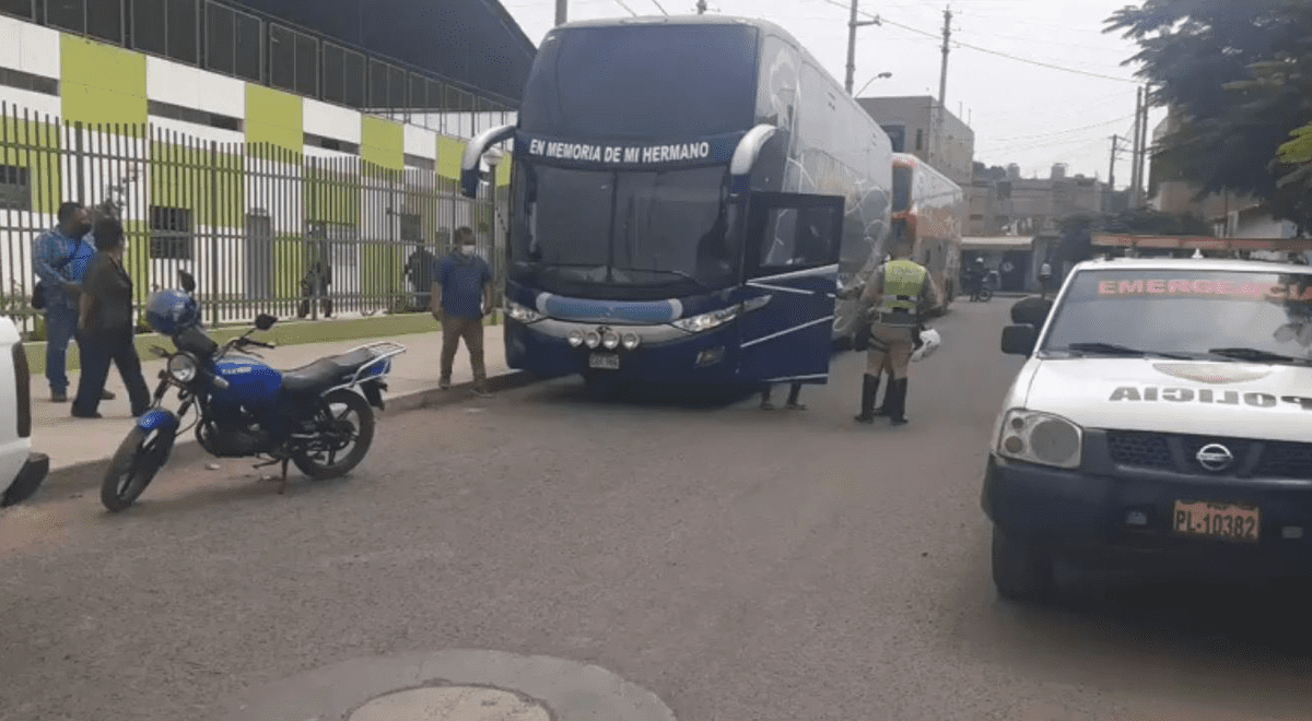 huaral-pnp-interviene-a-dos-buses-con-128-extranjeros-ilegales-video