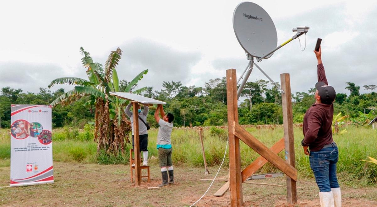madre-de-dios-caritas-y-la-arquidiocesis-de-friburgo-entregan-paneles-solares-e-internet-satelital-en-comunidades-nativas
