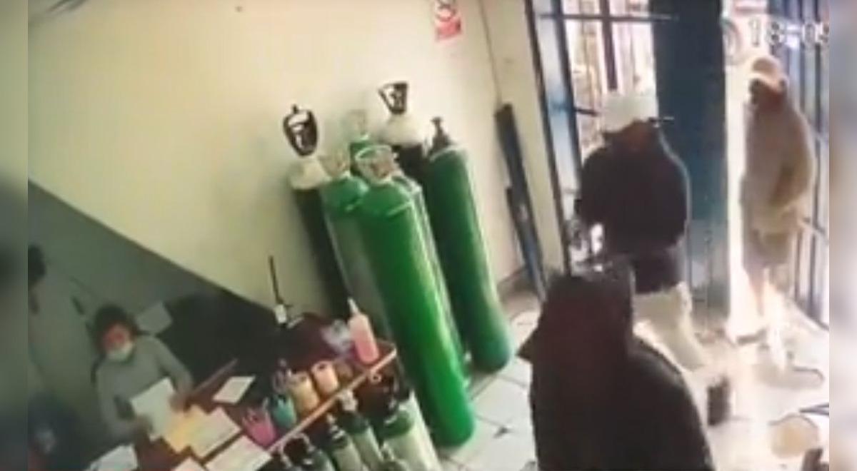 sjl-roban-100-mil-soles-a-local-que-vende-oxigeno-medicinal-a-precio-justo