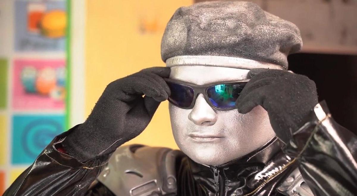 robotin-denuncia-que-sujeto-se-hace-pasar-por-el-y-realizar-shows-en-la-via-publica