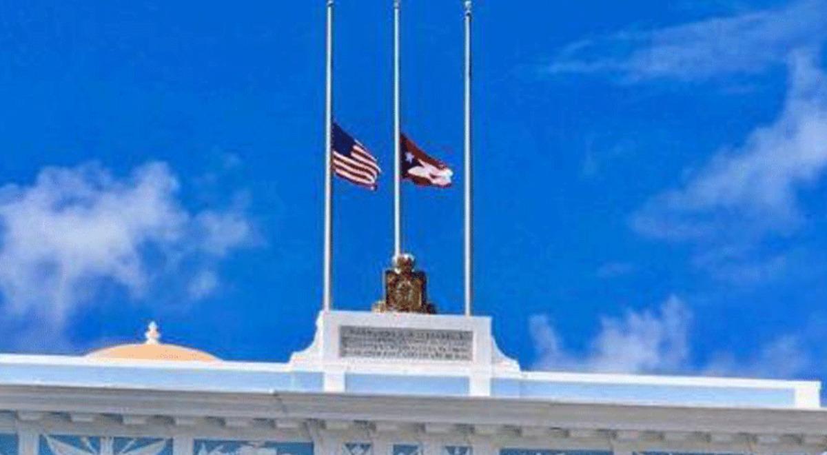 puerto-rico-flamea-sus-banderas-a-media-asta-en-honor-a-fallecidos-por-el-covid-19