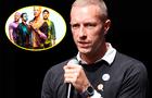 """Chris Martin de Coldplay reconoció que fue """"muy homofóbico"""" en su juventud"""