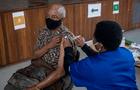 Israel autoriza tercera dosis de la vacuna Pfizer COVID-19 para adultos mayores de 60 años