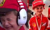 Niño lloraba desconsoladamente pero dejo hacerlo cuando conoció a su piloto favorito