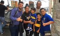 Riquelme y Tevez junto a sus padres y su hermano Rodrigo