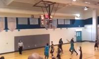 La gran habilidad de un joven sin brazos para jugar básquet
