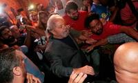 El ex mandatario brasileño Lula da Silva se entregó a la justicia