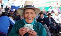 Beneficiados de Pensión 65 cobrarán su bono en todo el Perú