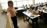 Pagarán deudas a maestros