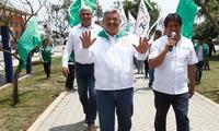 Alberto Beingolea realizó su cierre de campaña en Surquillo junto a Yola Polastri.