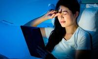 La luz de los aparatos electrónicos daña la salud de los ojos