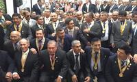 Algarabía total de los integrantes de la promoción Jorge More Briceño