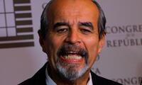 El parlamentario del Apra, Mauricio Mulder, calificó de 'tonto' a Salvador del Solar por su papel como Presidente del Consejo de Ministros