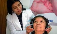 Bisabuela recupera la audición después de 10 años, gracias a obra social