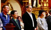En la ceremonia religiosa fue evidente la ausencia de Kenji Fujimori
