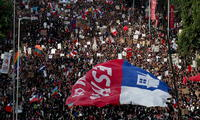 Multitudinaria marcha en Chile en señal de protesta contra el gobierno