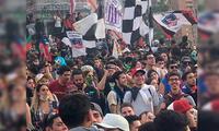 Bandera aliancista presente en marcha histórica en Chile
