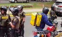 Repartidores Glovo bloquean avenida Arequipa en señal de protesta