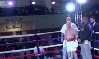 Boxeador de 70 años derrotó a su rival en el segundo round [VIDEO]