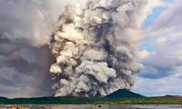 El volván Taal ubicado en Filipinas, entró en erupción este domingo, por primera vez en más de 40 años