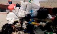 Cúmulos de basura y plástico en playa Huanchaco