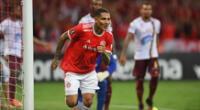 Paolo Guerrero fue la figura del intenso partido disputado en Brasil | Foto: @SCInternacional