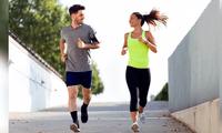 Atletas recorrieron en su azotea los 42 kilómetros.