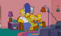 Los integrantes de una familia tuvieron una gran idea para divertirse, y se convirtieron en Homero, Marge, Bart, Lisa y Maggie Simpson.