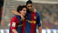 Messi brilló en Barcelona con Ronaldinho.