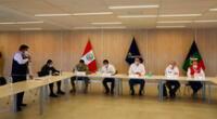 Martín Vizcarra en reunión con ministros en Moquegua