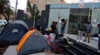 Compatriotas esperan regresar al Perú.
