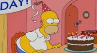 Papá de Bart Simpson apaga 64 velitas hoy.