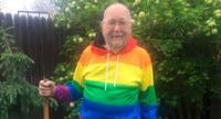 Kenneth confesó su homosexualidad a los 90 años.