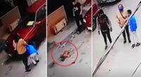 Las cámaras registraron a la mujer dándole indicaciones al niño.