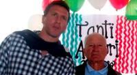 Flavio Maestri y su papá, quien falleció este martes.