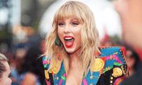 Taylor Swift reveló inesperadamente en sus redes sociales que lanzará su nueva producción, Folklore, esta noche.