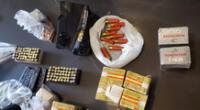 Policías incautan armas que eran usadas por osados delincuentes.