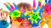 Google celebra la niñez con colorido Doodle por el Día del Niño.