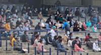 Jóvenes rindiendo el examen de admisión en el Estadio Olímpico Universitario de la UNAM