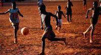 Imagen ilustrativa de los adolescentes en Uganda.