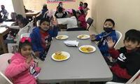 La primera donación fue recibida por la Asociación Iglesia Cristiana Calvary Chapel, refugio que protege a casi 100 menores.