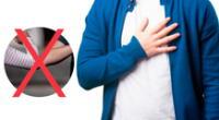 El director general de la OMS, Tedros Adhanom propone el saludo con la mano en el corazón.