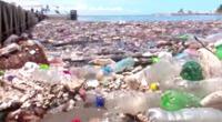 Toneladas de basura inundan las playas de Honduras