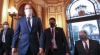 El premier Walter Martos y Manuel Merino de Lama se reunieron esta tarde en el Congreso.