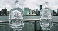 Greenpace coloca estatuas de hielo de Trump y Bolsonaro para protestar.